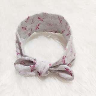 Knot turban. Baby headband