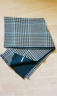 Global Work雙面頸巾黑白粉藍格仔紋併墨綠色短流蘇圍巾