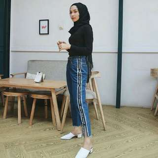 RUNWAY BF JEANS