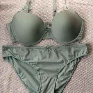 Plus size Bra and Panty Terno