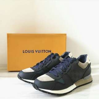 LOUIS VUITTON RUNAWAY SNEAKERS NAVY BLUE