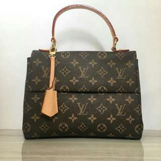 LOUIS VUITTON CLUNNY MONOGRAM