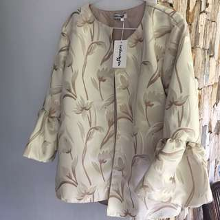 Outerwear cream