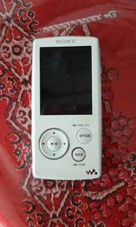 Sony mp3 player spoil can not play  sell to collecton