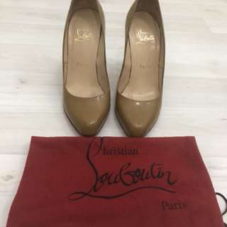 Preloved authentic christian louboutin heels