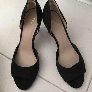 High heels silhouette heels