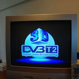 SHEER RETRO DELIGHT!!! JVC CRT Colour TV AV-21T16 with Remote Control.