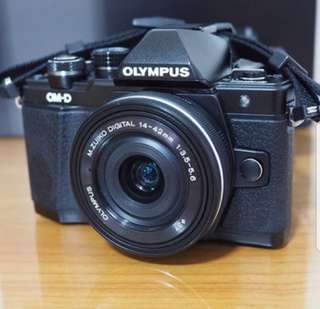 Olympus OMD-EM10 MK 2 + 14-42 kit full box mint