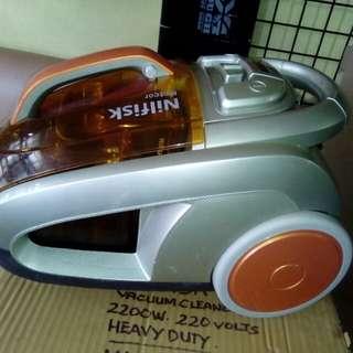 New Bagless 2200W vacuum cleaner