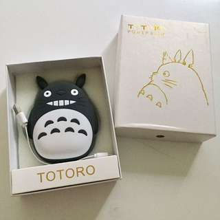 Totoro portable charger with box cable 龍貓 充電寶