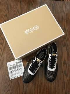 Michael Kors leather sneakers  US 6.5 Eur 37.5