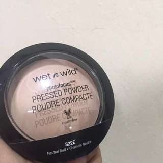 Wet n Wild photofocus pressed powder Shade Neutral Buff