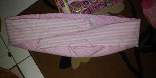 Gendongan bayi tanpa kupluk