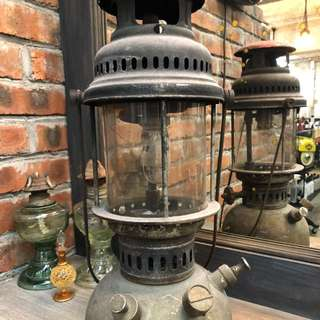 OLD KEROSENE LAMP LANTERN LIGHT