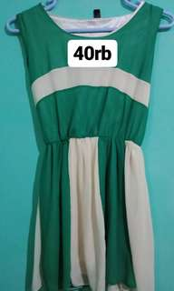 Halona dress pendek