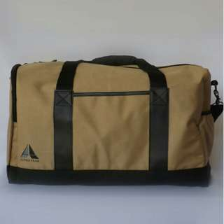 Duffel bag with secret pocket