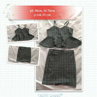 Dress peplum