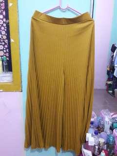 CELANA KULOT / BOTTOM plisket warna kuning mustard
