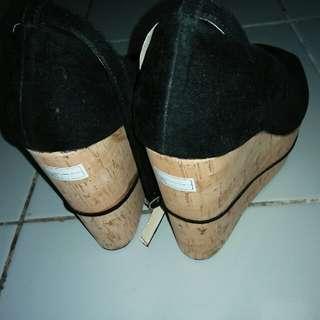 Sepatu higheels (New)