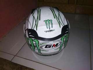 Helm merk GM