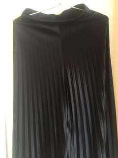 Black pleated full length skirt/bottom
