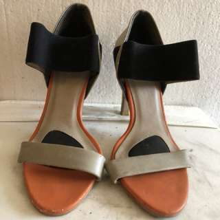 Vincci open toe shoes