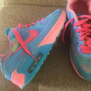 N*ke shoes