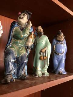 3 chinese figurines