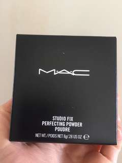 Mac Cosmetics studio fix perfecting powder