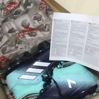 kasut bola / football boots