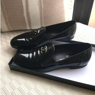 Chanel  patent leather loafers / slip on shoes @Size 38 (fit for size 37)  #Made in Italy
