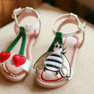 Sepatu sandal anak cherry bee