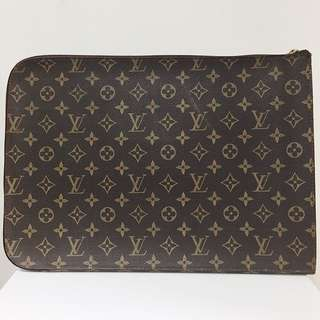 LOUIS VUITTON Executive Folder