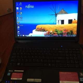 Fujtsu laptop i5