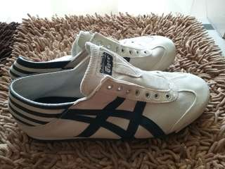 Pre💗 Onitsuka original slip on like new only went to mall twice 25.5cm/US7.5/Euro40.5 beli sendiri di japan no box.