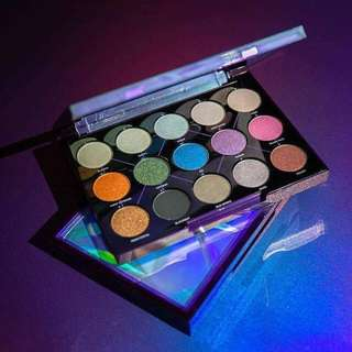 [Authentic] Urban Decay Distortion Eyeshadow Palette