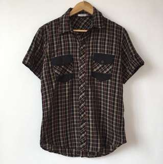 2-pocket checkered cotton polo