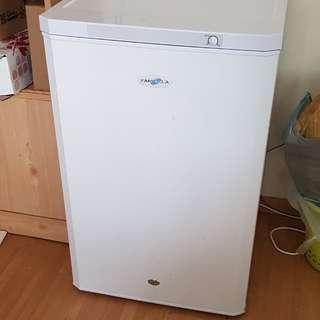 Farfalla Upright Freezer 120L
