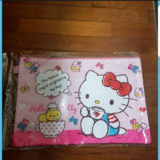 In Stock Hello Kitty And Doraemon A4 Folders With Zip