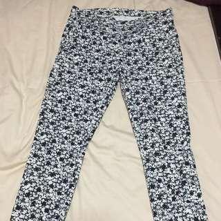 Uniqlo Black & white floral pants
