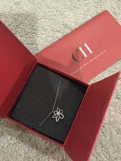 (BN) Carolina Herrera Flower Necklace