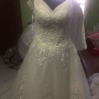 Pre Loved Wedding Gown For Sale