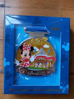 Hong Kong Disneyland Pin 香港迪士尼襟章 Magic Access exclusive