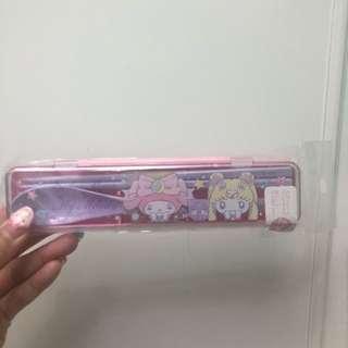 已絕版 全新正品Sanrio Sailor Moon x My Melody 美少女戰士筷子匙羹餐具