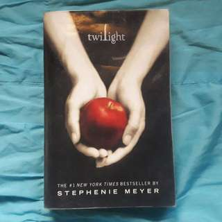 The Twilight Saga: Twilight (Paperback)