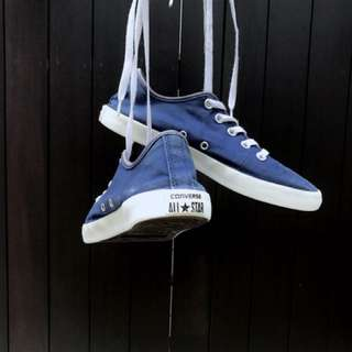 Blue Converse Shoes / Sneakers
