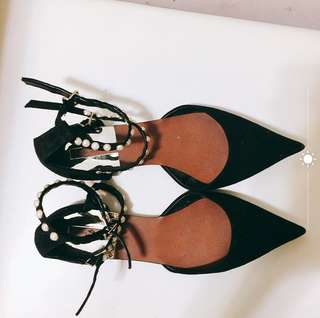 Zara 珍珠平底鞋