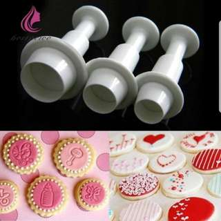 New 3pcs Set Cutter / Cake Decorating Mold (Round)