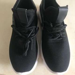 Couple shoes (1 pair)