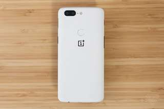 USED ONEPLUS 5T WHITE 128GB